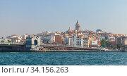 Istanbul cityscape at sunny day with Galata bridge (2016 год). Редакционное фото, фотограф EugeneSergeev / Фотобанк Лори