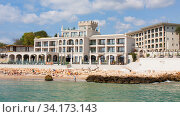 Hotel Villa Chinka, St. St. Constantine and Helena resort, Varna, Bulgaria (2019 год). Редакционное фото, фотограф ИВА Афонская / Фотобанк Лори