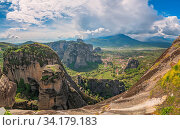 Amazing panoramic rocky landscape at Meteora, Trikala region, Greece. Стоковое фото, фотограф Zoonar.com/Pawel Opaska / easy Fotostock / Фотобанк Лори