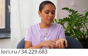 female beauty blogger making review of perfume. Стоковое видео, видеограф Syda Productions / Фотобанк Лори
