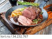 Wildschwein Nuss rücken steak keule boar slow cook. Стоковое фото, фотограф Zoonar.com/H.LEITNER / easy Fotostock / Фотобанк Лори