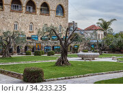 Garden in monastery of Saint John Marcus of Lebanese Maronite Order in Byblos, largest city in the Mount Lebanon Governorate of Lebanon. Стоковое фото, фотограф Konrad Zelazowski / age Fotostock / Фотобанк Лори