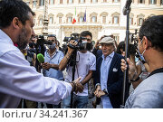 Leader of Lega party Matteo Salvini and Italian actor Enrico Montesano meet the demonstrators during the sit-in in front of Montecitorio Palace to ask... Редакционное фото, фотограф Alessandro Serrano' / AGF/Alessandro Serrano' / / age Fotostock / Фотобанк Лори