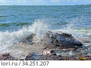 Waves of Baltic Sea. Aland Islands (2014 год). Стоковое фото, фотограф Валерия Попова / Фотобанк Лори