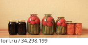 Консервированные запасы на зиму. Стоковое фото, фотограф Евгений Будюкин / Фотобанк Лори