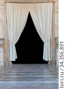 White Curtains Coulisse Drapes Decor Entrance. Стоковое фото, фотограф Zoonar.com/Marko Beric / easy Fotostock / Фотобанк Лори