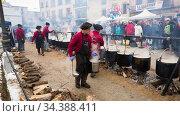 Feast of escudella, Castelltercol (2018 год). Редакционное фото, фотограф Яков Филимонов / Фотобанк Лори