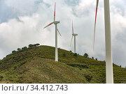 Raddusa, Sicily, Italy - Wind turbines (2018 год). Редакционное фото, агентство Caro Photoagency / Фотобанк Лори