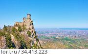 The first tower of San Marino on Titano mount. Стоковое фото, фотограф Роман Сигаев / Фотобанк Лори