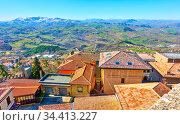 Tiled roofs in San Marino. Стоковое фото, фотограф Роман Сигаев / Фотобанк Лори