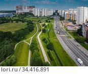 Москва, Митино, улица Барышиха и Митинский ландшафтный парк. Редакционное фото, фотограф glokaya_kuzdra / Фотобанк Лори