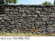 Mauer, wand, alt, stein, steine, muster, grau, schwarz, architektur... Стоковое фото, фотограф Zoonar.com/Volker Rauch / age Fotostock / Фотобанк Лори
