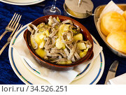 Italian dish - pizzoccheri alla valtellinese. Стоковое фото, фотограф Яков Филимонов / Фотобанк Лори