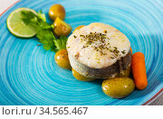 Codfish by rustically, frying and served with boiled potatoes and greens. Стоковое фото, фотограф Яков Филимонов / Фотобанк Лори