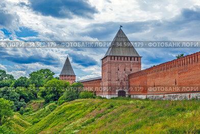 Крепостная стена, Позднякова башня и башня Веселуха. Смоленск