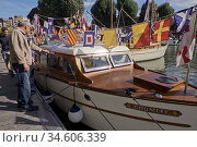 Classic boats festival , with Dunkirk Little Ships at St Katharine... (2018 год). Редакционное фото, фотограф Julio Etchart / age Fotostock / Фотобанк Лори