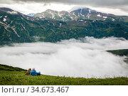 Contemplation of the mountains. Редакционное фото, фотограф Вита Фортуна / Фотобанк Лори