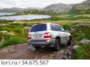 Toyota Land Cruiser 100 (2020 год). Редакционное фото, фотограф Art Konovalov / Фотобанк Лори
