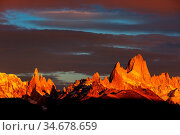 Famous Cerro Fitz Roy - one of the most beautiful and hard to accent... Стоковое фото, фотограф Zoonar.com/Galyna Andrushko / easy Fotostock / Фотобанк Лори