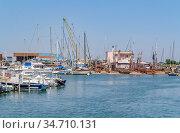 Sunny waterside scenery at the fishing harbor of Le Grau-du-Roi, a... Стоковое фото, фотограф Zoonar.com/PRILL Mediendesign Fotografie / easy Fotostock / Фотобанк Лори