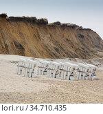 Strandkoerbe an der Setilkueste Rotes Kliff, Sylt, Nordfriesische... Стоковое фото, фотограф Zoonar.com/Wirth / easy Fotostock / Фотобанк Лори