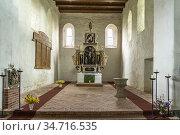 Innenraum und Altar der Stadtkirche St. Georg in Arneburg, Landkreis... Стоковое фото, фотограф Peter Schickert / age Fotostock / Фотобанк Лори