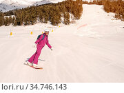 Beautiful beginner snowboarder girl in caucasian mountains. Стоковое фото, фотограф Zoonar.com/Ian Iankovskii / easy Fotostock / Фотобанк Лори