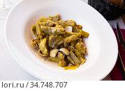 Appetizing artichokes with sea shellfish. Стоковое фото, фотограф Яков Филимонов / Фотобанк Лори