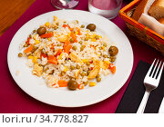 Rice salad with sliced omelette and vegetables. Стоковое фото, фотограф Яков Филимонов / Фотобанк Лори