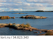 Rock formations and small islands at the shore of Lake Vanern. Стоковое фото, фотограф Zoonar.com/Ursula Perreten / easy Fotostock / Фотобанк Лори