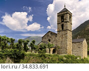 Sant Feliú Church in Barruera (XI Century) is one of the many Romanesque... Стоковое фото, фотограф Luis Castañeda / age Fotostock / Фотобанк Лори