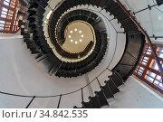 Винтовая лестница на  смотровую площадку водонапорной башни. Старая Русса, Новгородская область. Стоковое фото, фотограф Александр Щепин / Фотобанк Лори