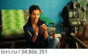 Female blogger interacting about cosmetics 4k. Стоковое видео, агентство Wavebreak Media / Фотобанк Лори