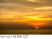 Beautiful Sunset at Andaman sea Krabi Phuket Thailand. Стоковое фото, фотограф Vichaya Kiatying-Angsulee / easy Fotostock / Фотобанк Лори