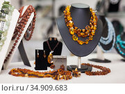 Counter with amber jewelry in store. Стоковое фото, фотограф Яков Филимонов / Фотобанк Лори
