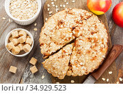 Oat cake with apple. Стоковое фото, фотограф Надежда Мишкова / Фотобанк Лори