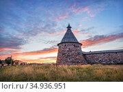 Белая башня на Соловках и закат. Стоковое фото, фотограф Baturina Yuliya / Фотобанк Лори
