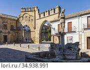 Fuente de los Leones, or Fountain of the Lions, in the Plaza del ... Стоковое фото, фотограф Ken Welsh / age Fotostock / Фотобанк Лори