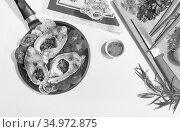Prepared for frying fish carp in a frying pan. Стоковое фото, фотограф Galina Tolochko / Фотобанк Лори