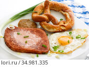 Snack,fried egg,meat loaf. Стоковое фото, фотограф HLPHOTO / easy Fotostock / Фотобанк Лори