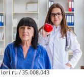Senior patient visiting doctor for regular check-up. Стоковое фото, фотограф Elnur / Фотобанк Лори