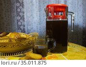 Графин с хлебным квасом. Липецк. Стоковое фото, фотограф Евгений Будюкин / Фотобанк Лори