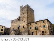 15th century fortress in Castellina di Chianti, Tuscany, Italy (2018 год). Стоковое фото, фотограф Сергей Фролов / Фотобанк Лори
