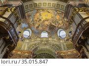Deckenfresken im Prunksaal der Österreichischen Nationalbibliothek... Стоковое фото, фотограф Peter Schickert / age Fotostock / Фотобанк Лори