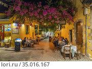 Gasse mit Restaurant in der Altstadt am Abend, Chania, Kreta, Griechenland... Стоковое фото, фотограф Peter Schickert / age Fotostock / Фотобанк Лори