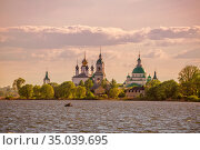 View of the monastery from Lake Nero. Rostov (2019 год). Стоковое фото, фотограф Юлия Бабкина / Фотобанк Лори