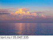 Beautiful sunset on the beach. Стоковое фото, фотограф Юрий Бизгаймер / Фотобанк Лори