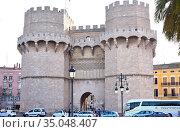 Valencia, Torres de Serranos (14th century). Gate of old medieval... Стоковое фото, фотограф J M Barres / age Fotostock / Фотобанк Лори