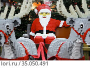 Reindeers and Santa Claus made of Lego building toy bricks, in Berlin... Стоковое фото, фотограф Andre Maslennikov / age Fotostock / Фотобанк Лори