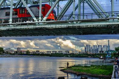 Москва,Даниловский мост на Москве-реке